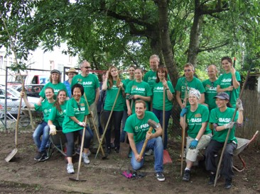 Gartenaktion mit BASF-Mitarbeitern