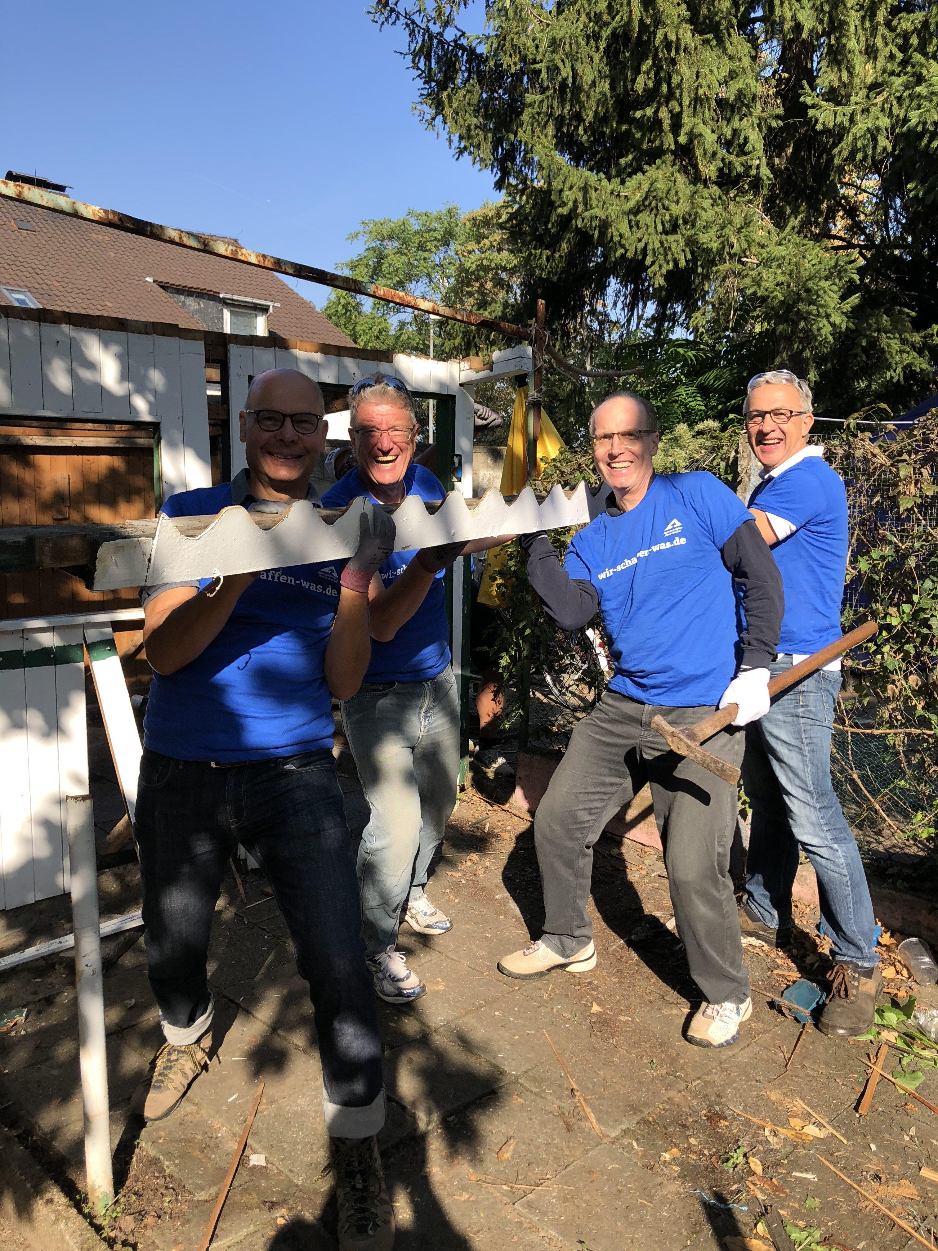 """""""Wir haben was geschafft!"""" – Das Projekt """"Abriss einer Gartenhütte"""" beim Freiwilligentag ist umgesetzt! OBDACH e.V. sagt Danke!"""
